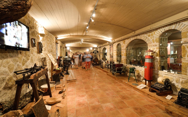 Domaine Costa Lazaridi Museum Xenagiseis